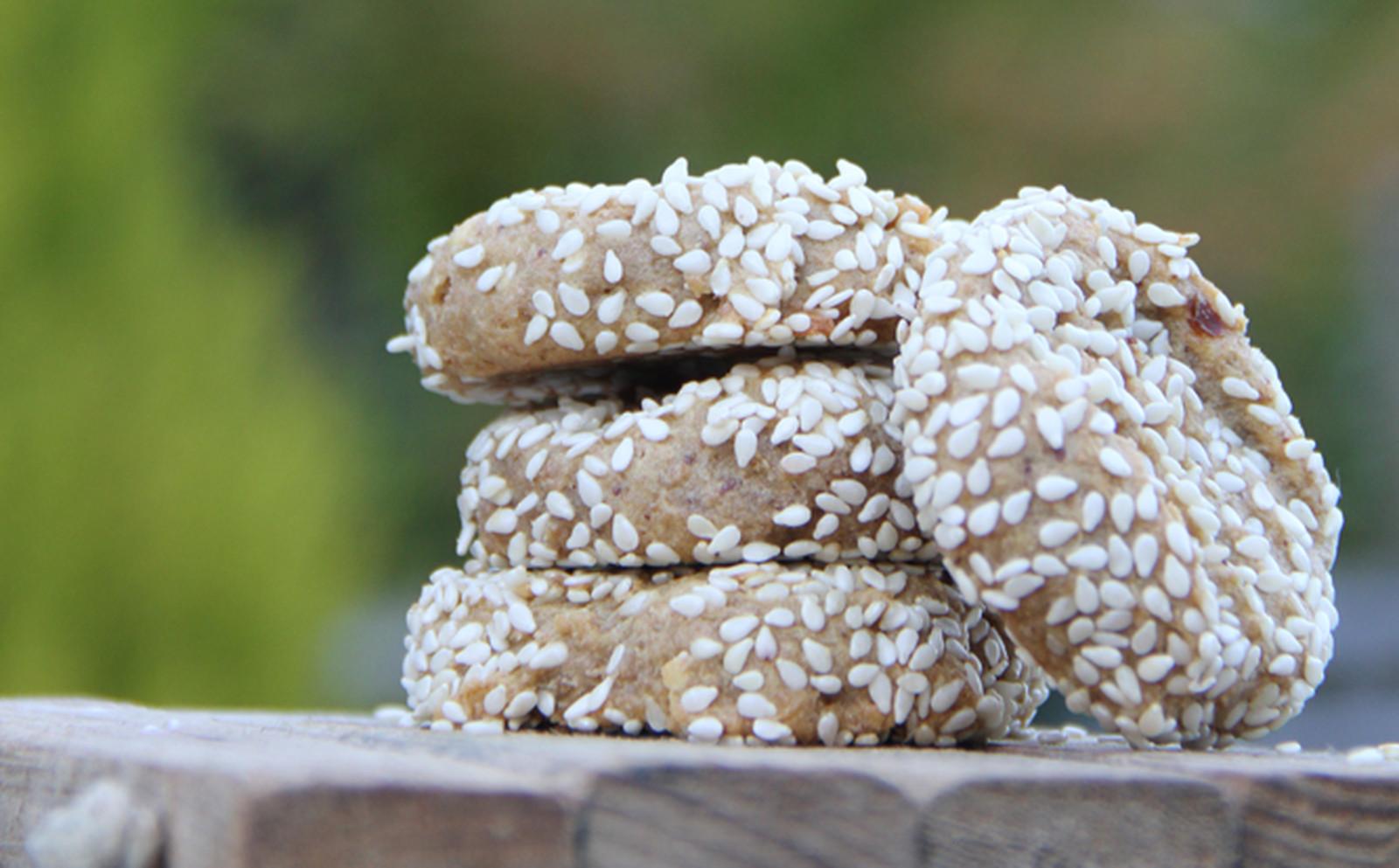 Chewy Plantain Sesame Cookies [Vegan]