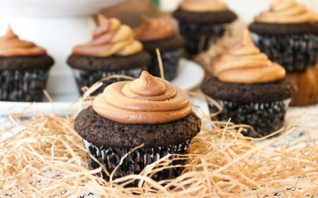 Vegan Chocolate Cupcakes With Peanut Butter Swirl Frosting