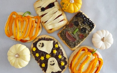 Spooky Scary Mini Halloween Pizzas [Vegan]