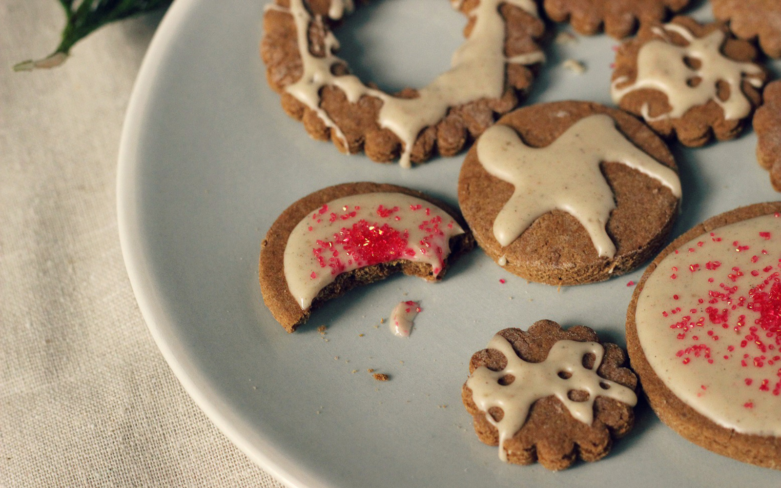 Gingerbread Cut-Outs With Cardamom Vanilla Glaze
