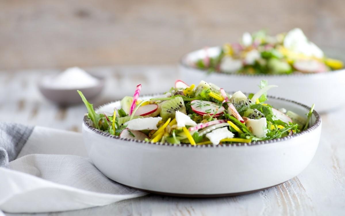 Arugula, Kiwi, and Fennel Salad [Vegan, Gluten-Free]