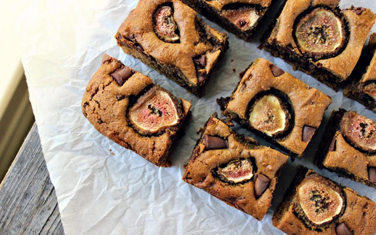 Tahini Dark Chocolate Chunk Blondies With Caramelized Ginger and Figs [Vegan]