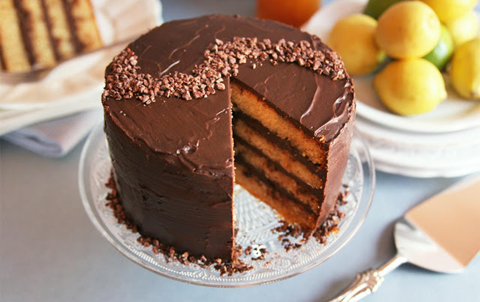Lemon Cake With Dark Chocolate Ganache [Vegan]
