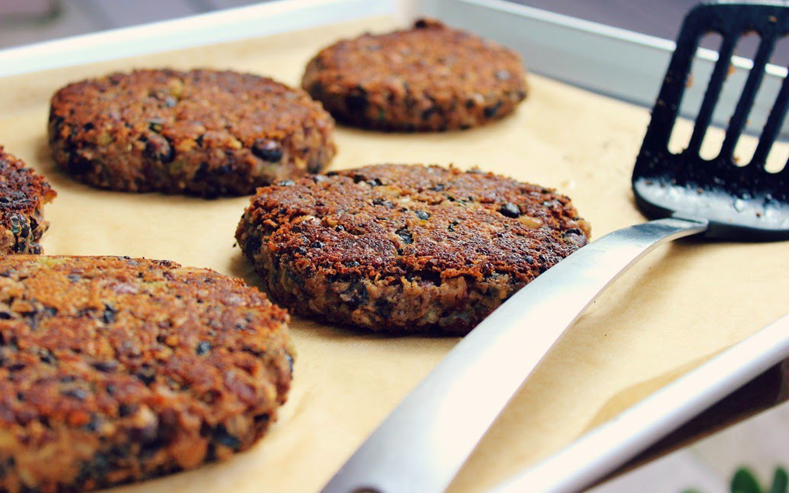 Black Bean and Basil Burgers