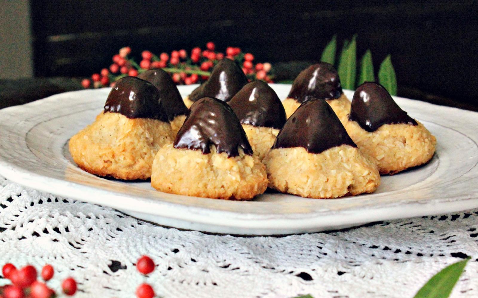 Dark Chocolate Dipped Vanilla Mint Macaroons