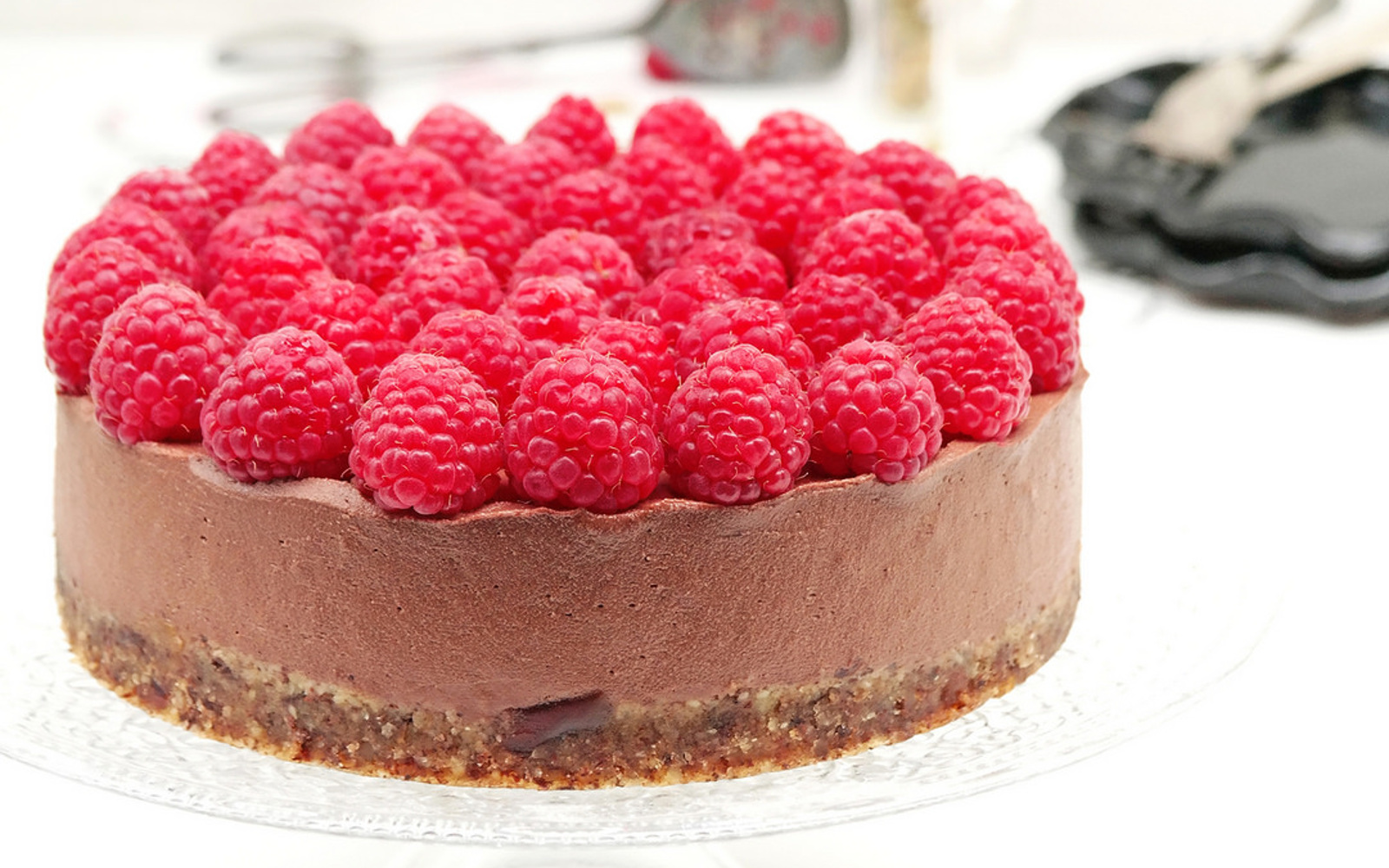 Raw Raspberry Chocolate Cheesecake