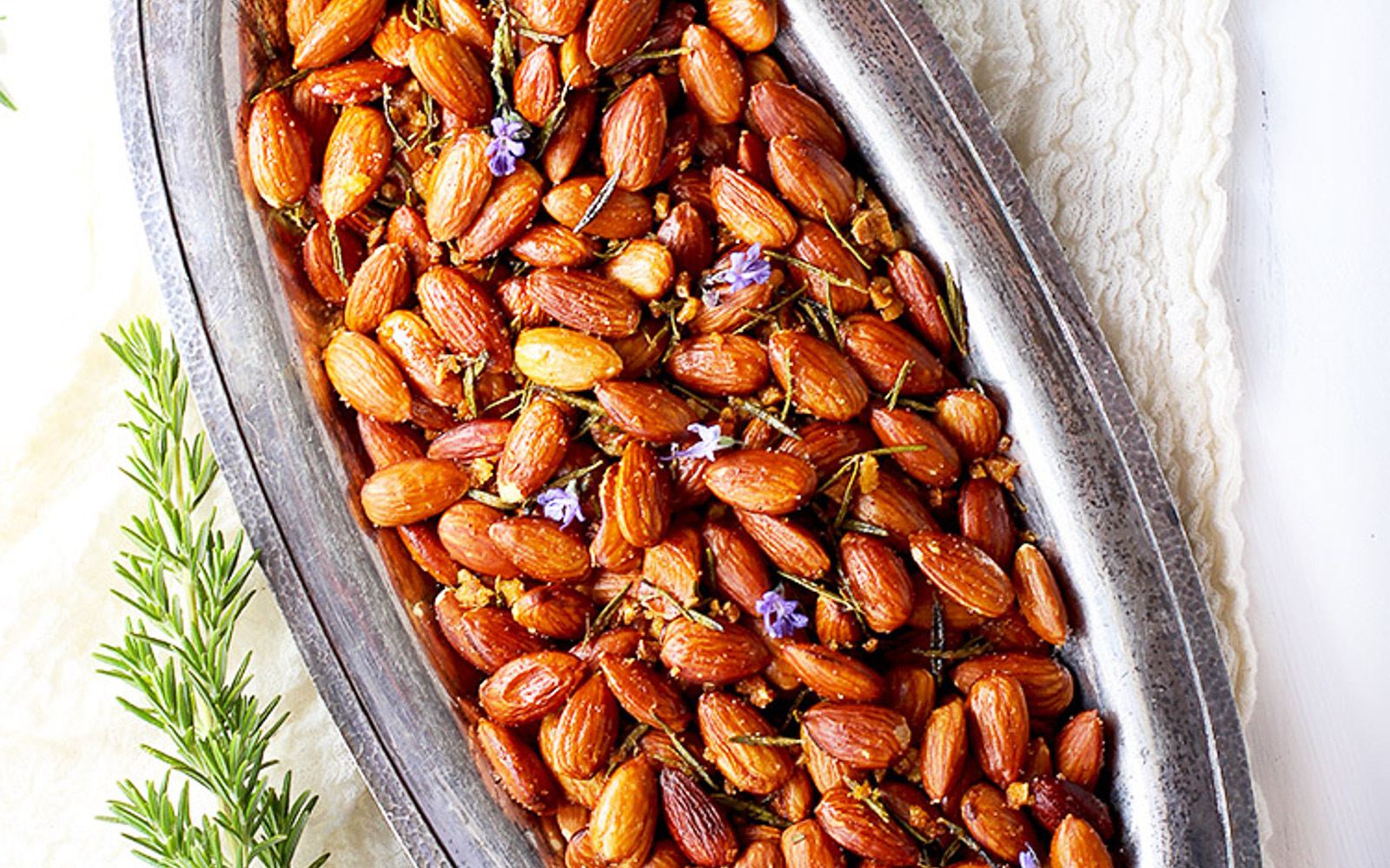Rosemary and Garlic Almonds