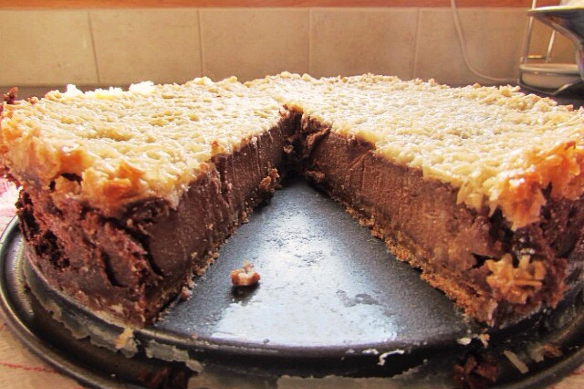 Chocolate Banana Coconut Cheesecake