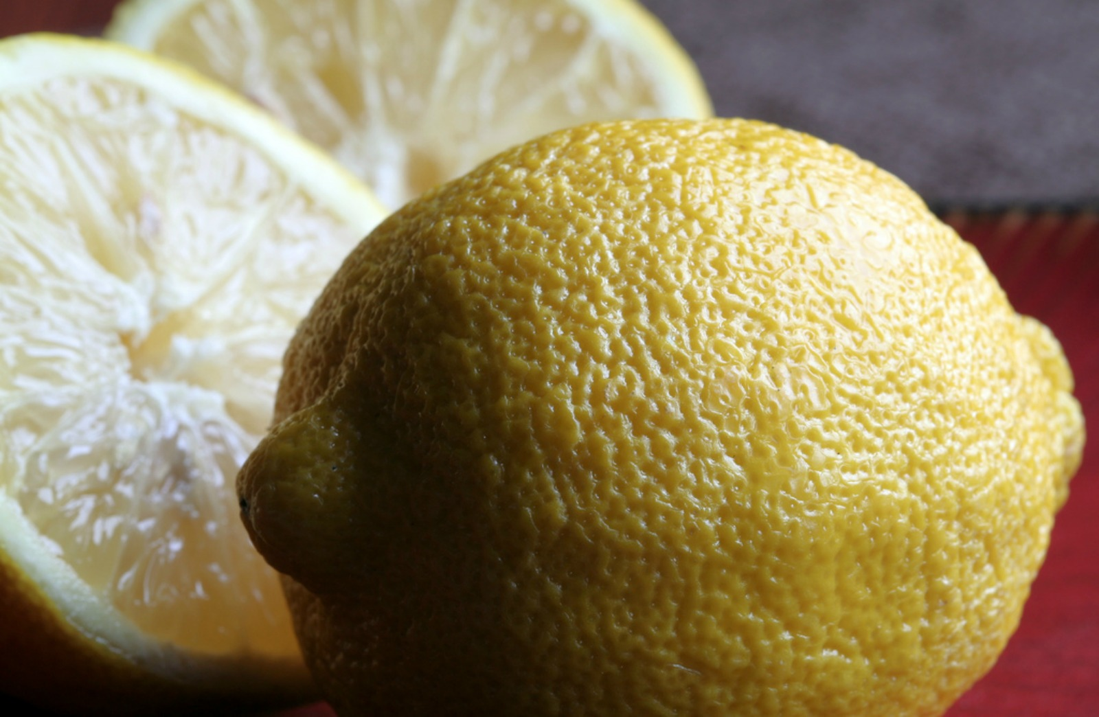 5 Cleaning Products You Make With the Fruit in Your Kitchen