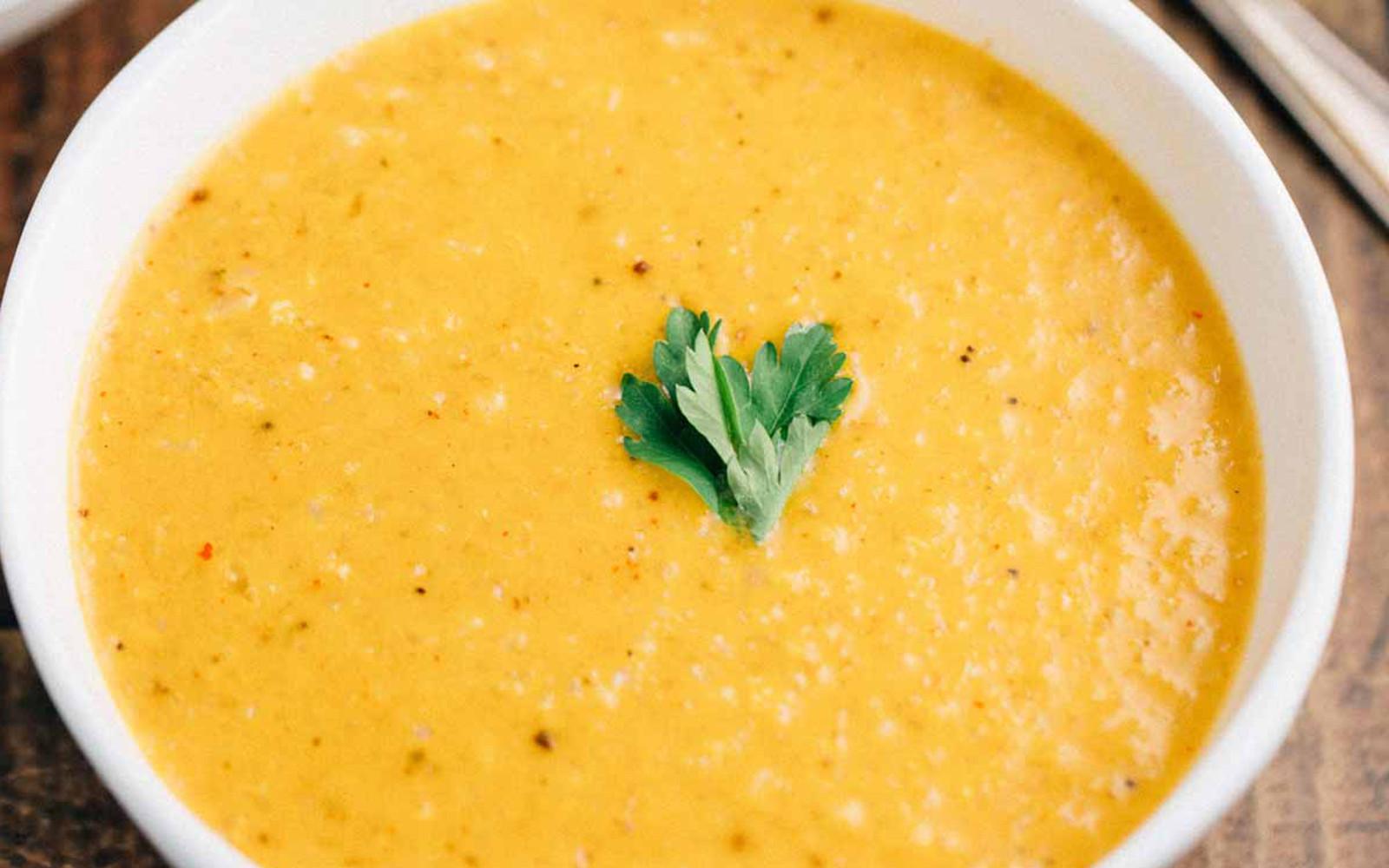 Creamy Cauliflower Curry Soup