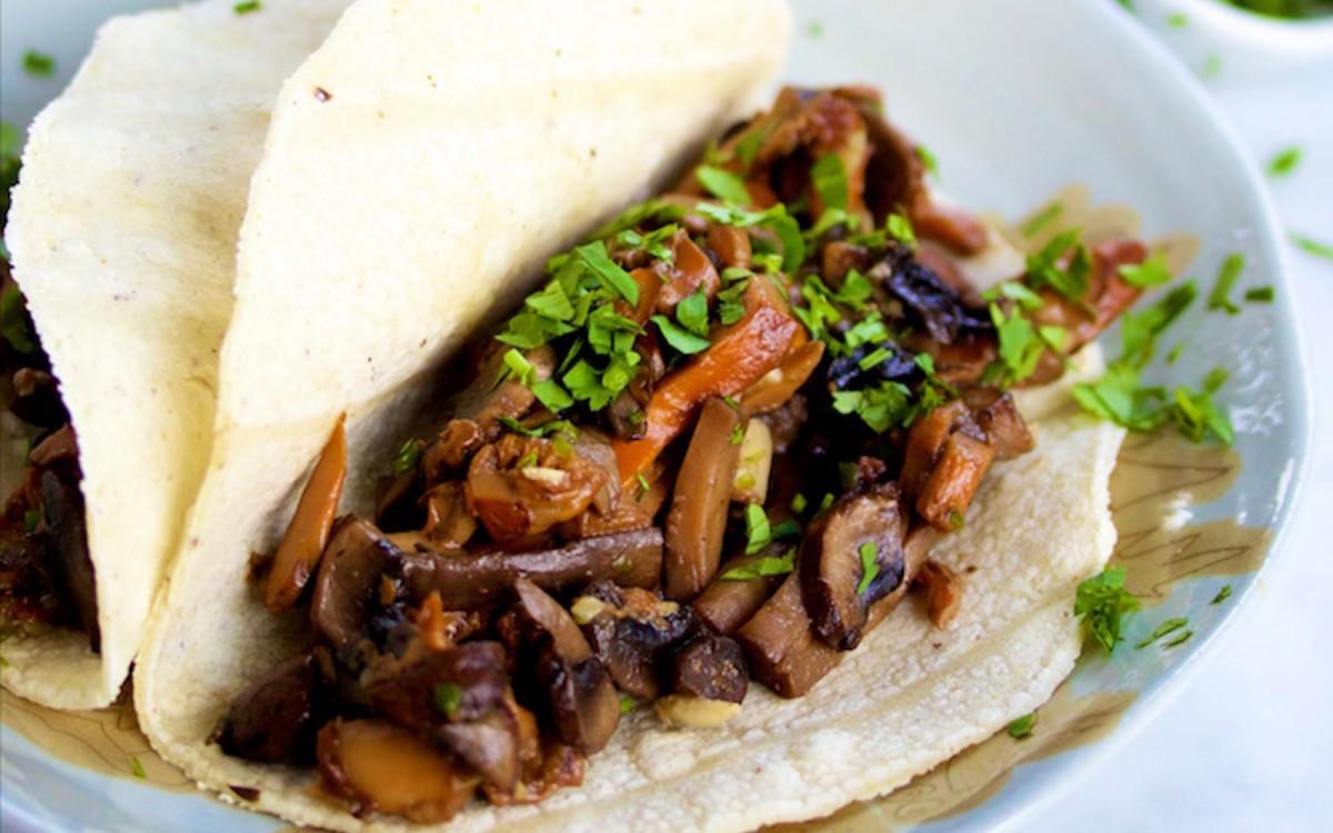 Mushroom and Garlic Tacos