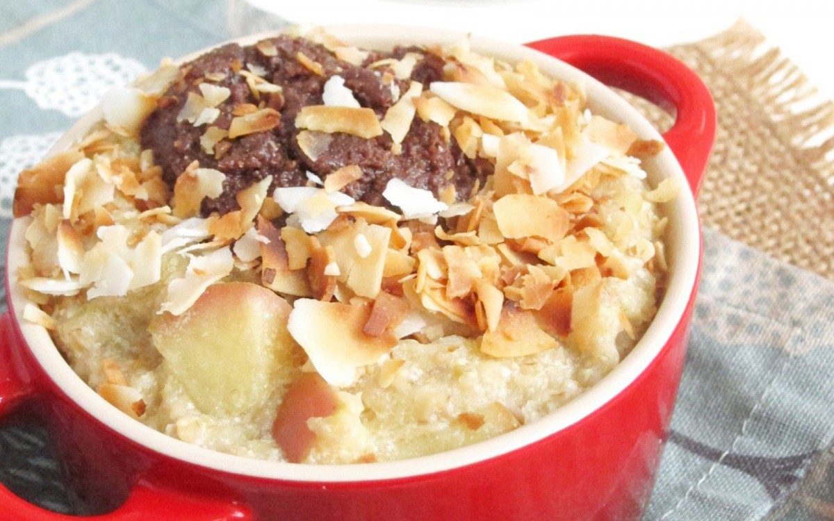 Apple Oatmeal with Chocolate Tahini and Coconut