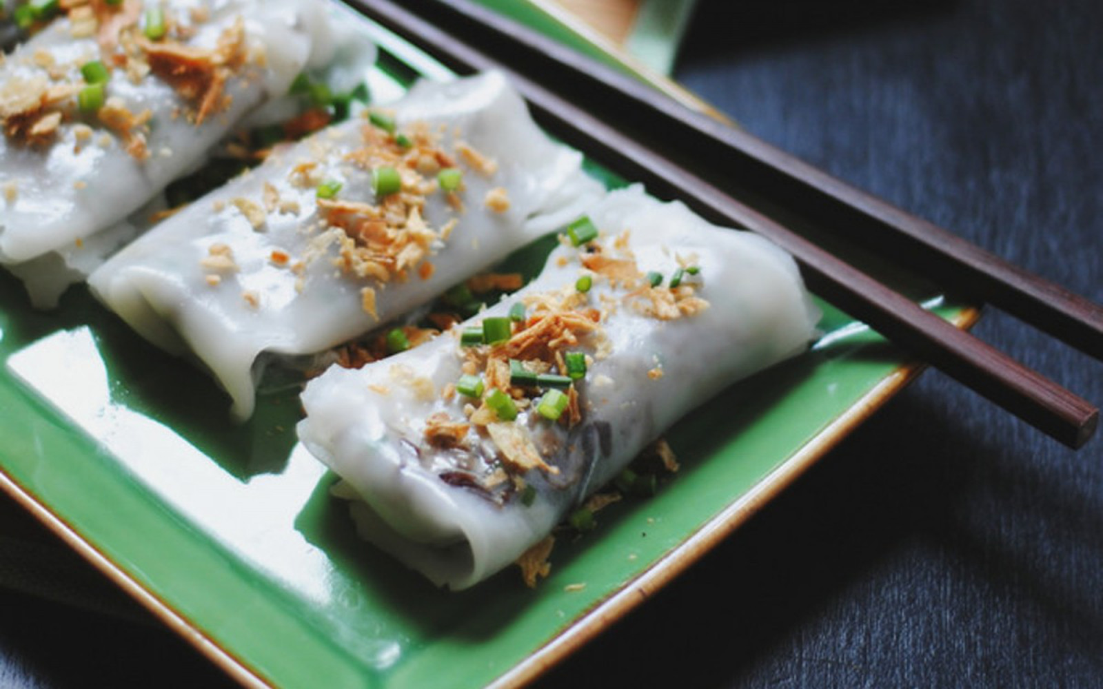 Banh Cuon Chay: Vietnamese Steamed Rolled Cakes With a Mushroom Filling