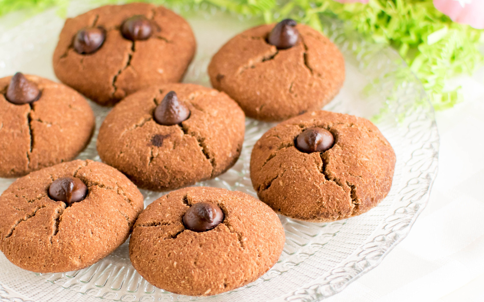 Paleo Vegan Chocolate Chip Cookies