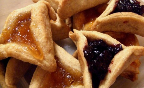10 Traditional Recipes for Your Purim Feast
