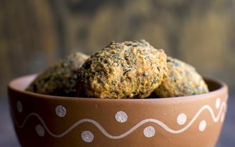 Methi Muthiya: Fried Dumplings