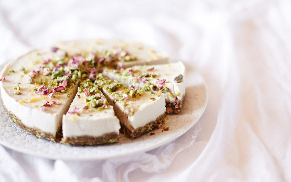 Raw Baklava Cheesecake