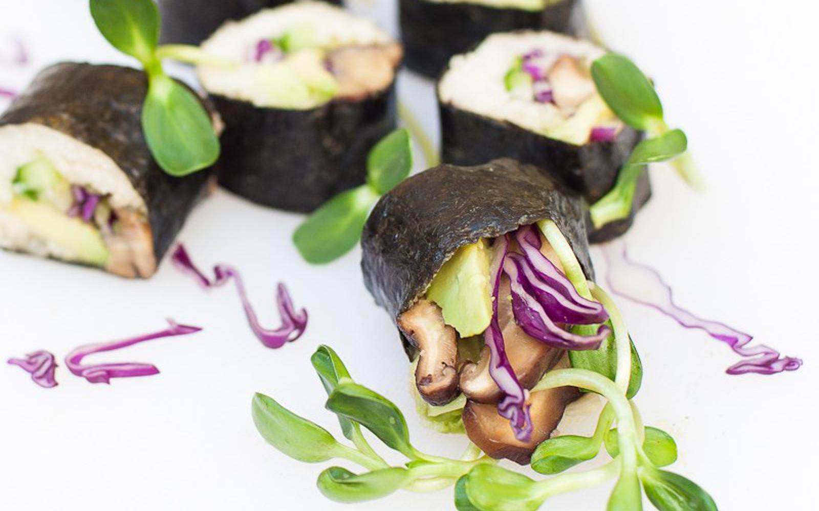 Raw Sushi Roll