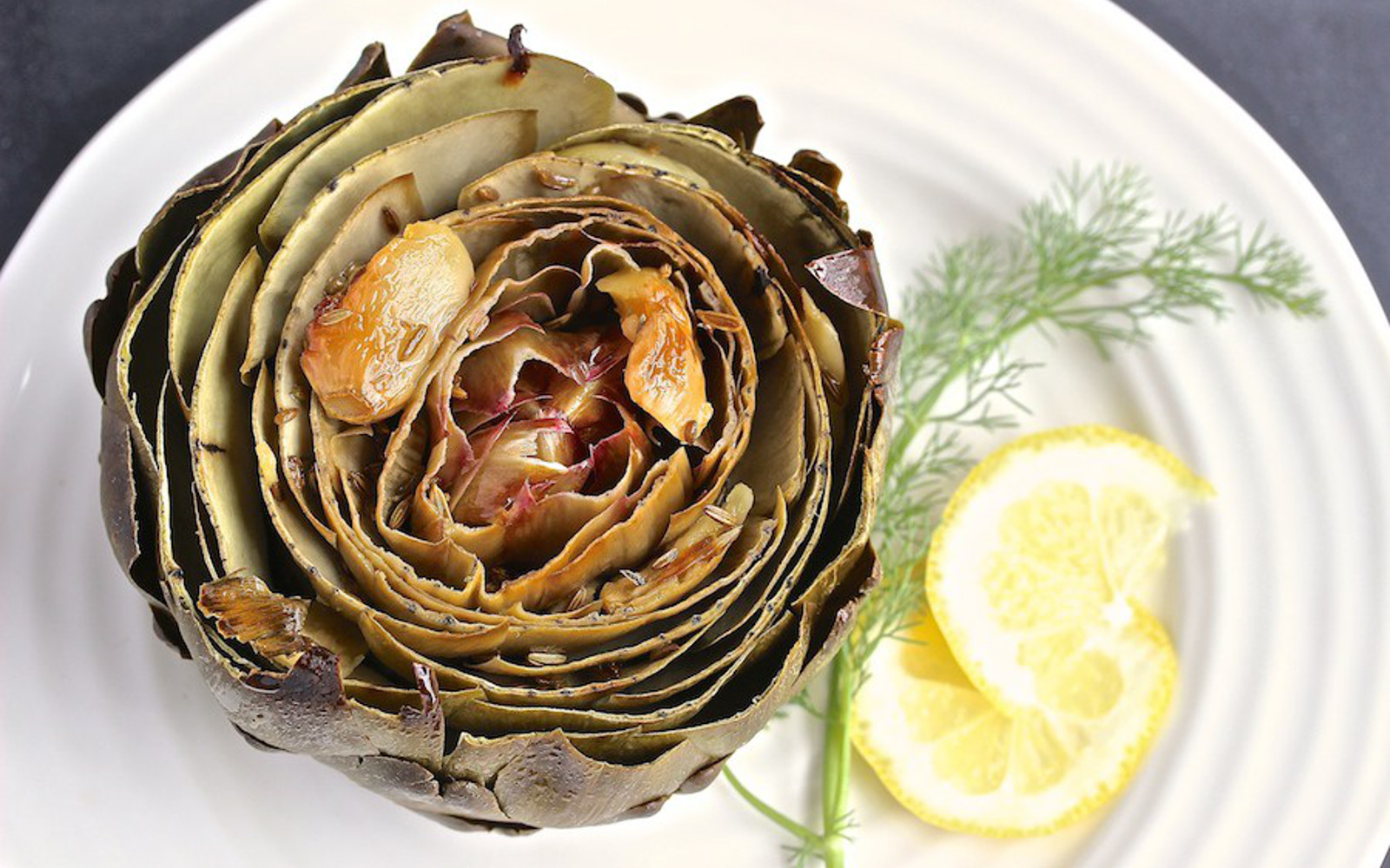 Lemon-Roasted Artichoke With Garlic and Fennel