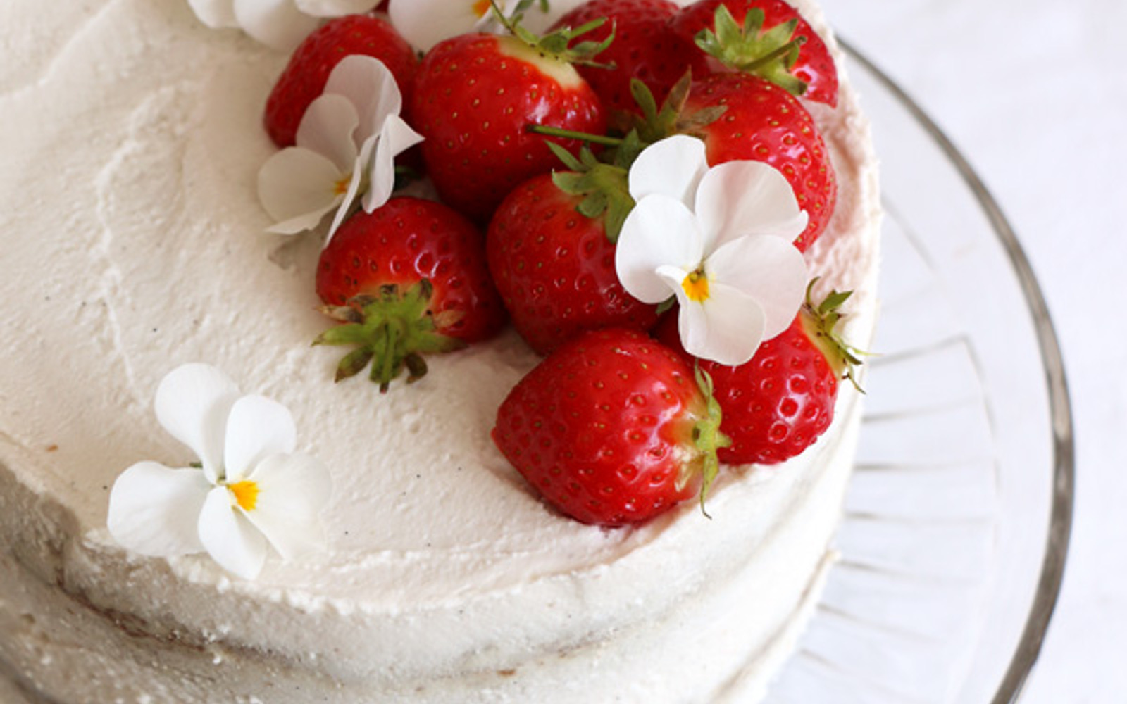 Strawberry Coconut Sponge Cake 1