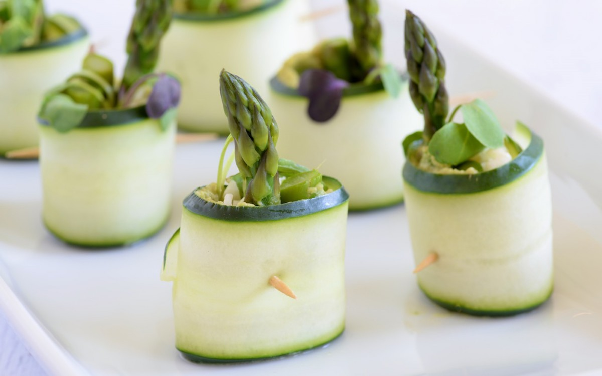 Mini veggie cucumber wraps