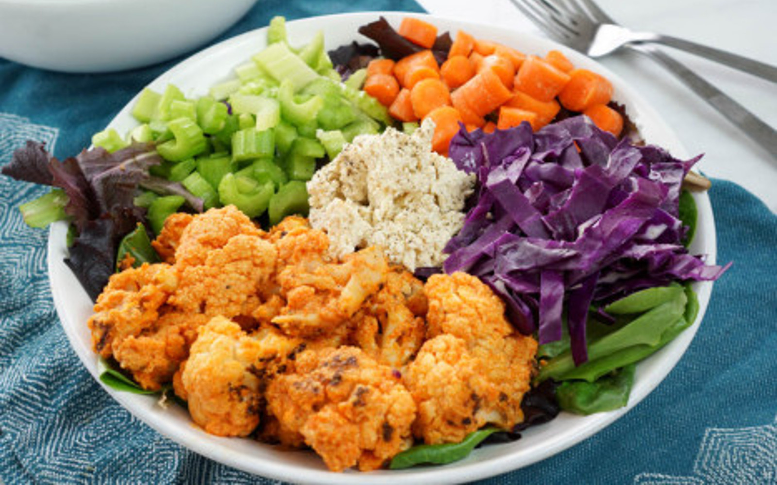 Crispy Buffalo Cauliflower Salad 3