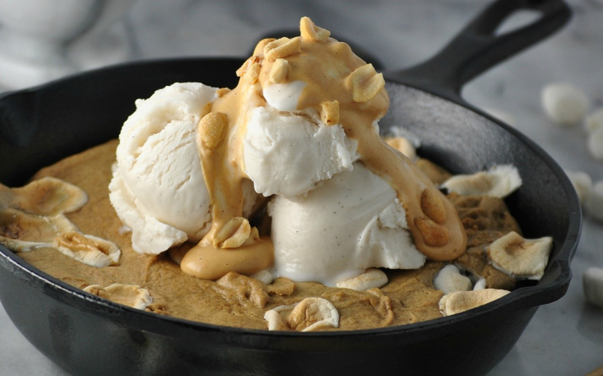 Vegan Giant Fluffernutter Skillet Cookie