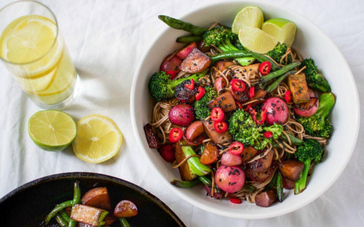 Vegan Ginger-Lime Soba Noodles With Vegetables
