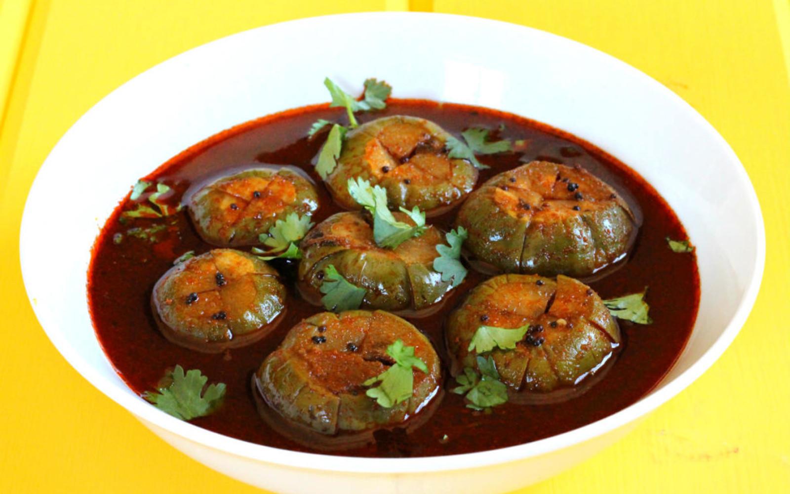Gulla Kolupkari: Konkani Spicy Eggplant Curry