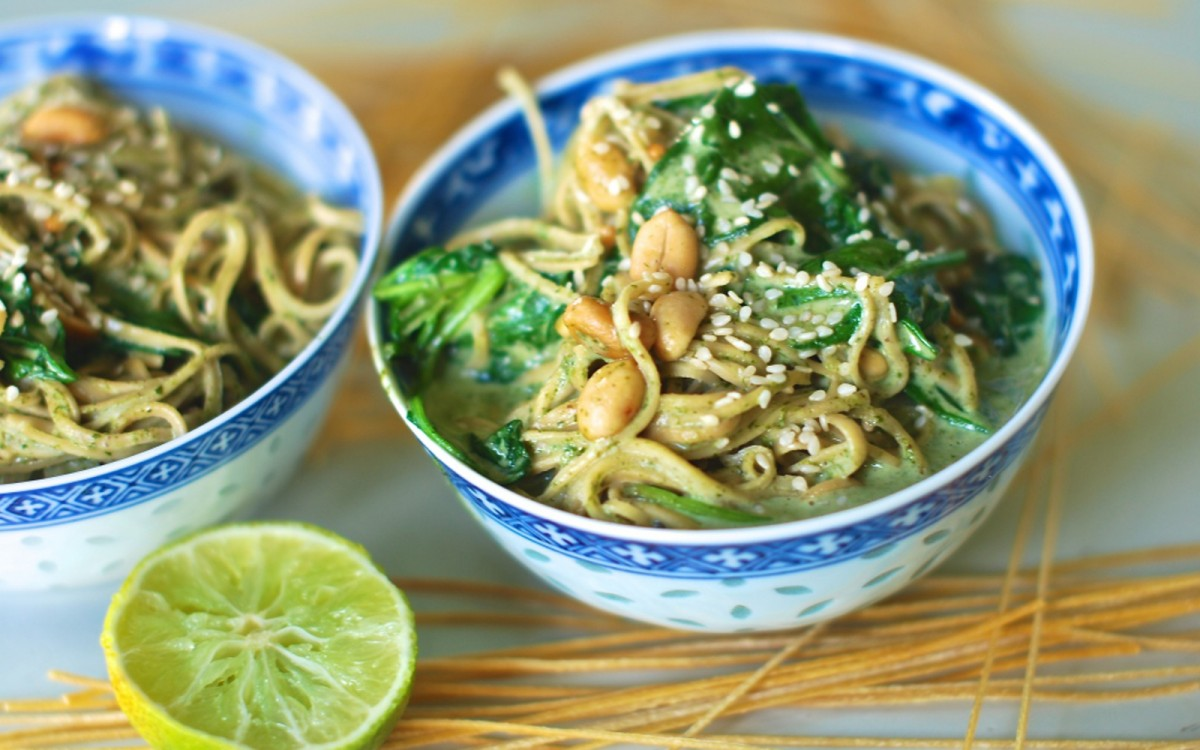 Soybean Noodles in Peanut Butter Spinach Sauce 2