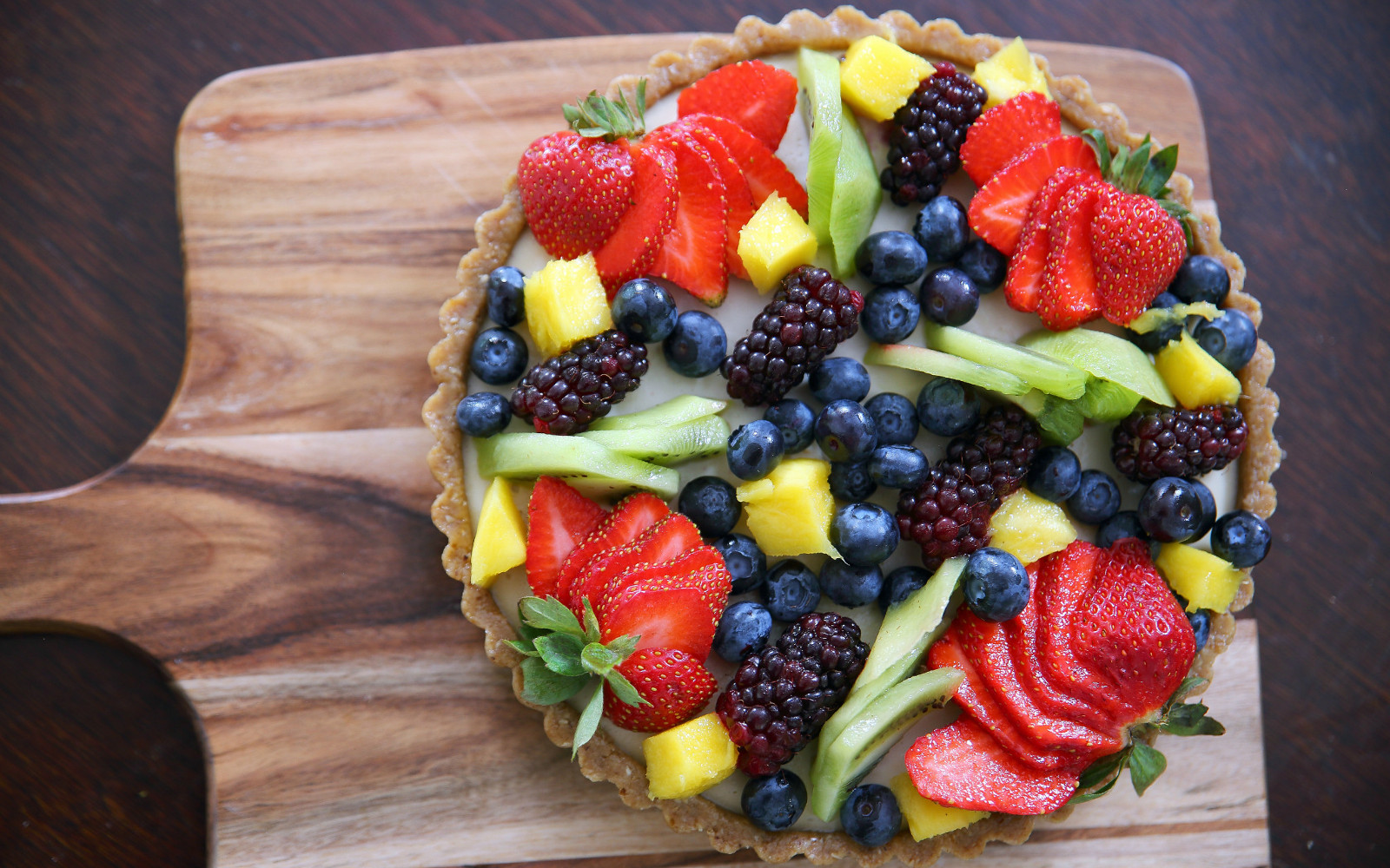 Summer Fruit Tart With a Creamy Cashew Filling