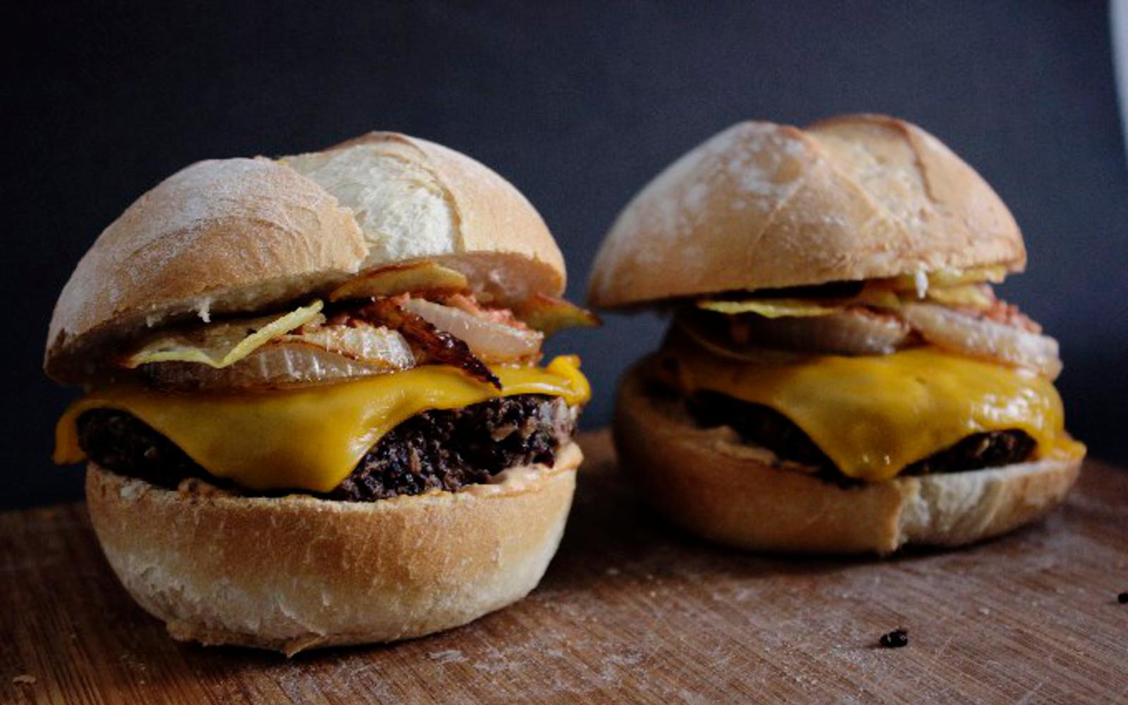 Tandoori Masala Black Bean Cheeseburgers 1
