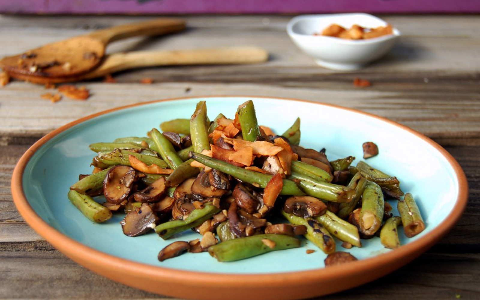 Balsamic Mushrooms and Green Beans With Coconut Bacon