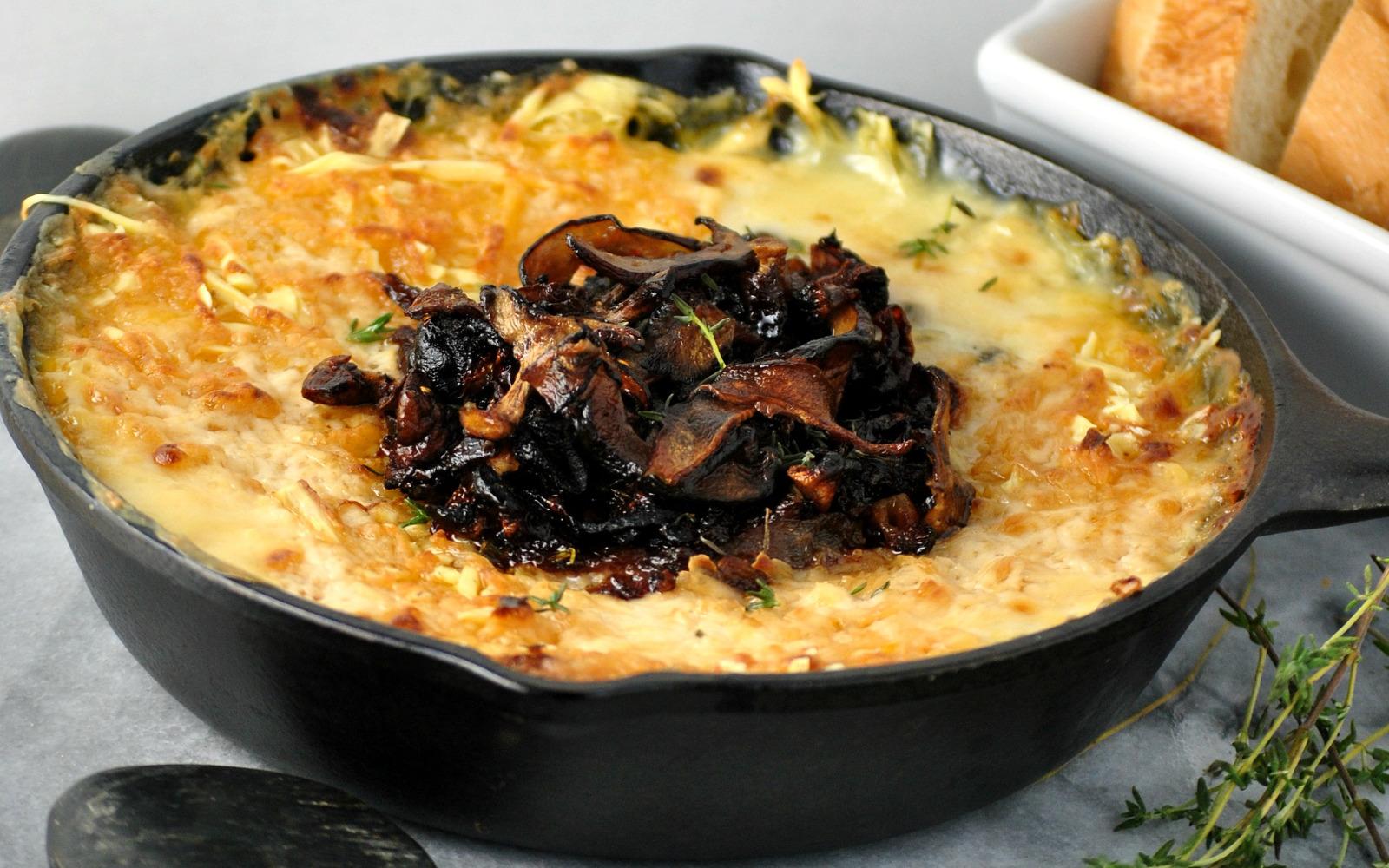 Caramelized Onion vegan Cheese Dip with shitake bacon