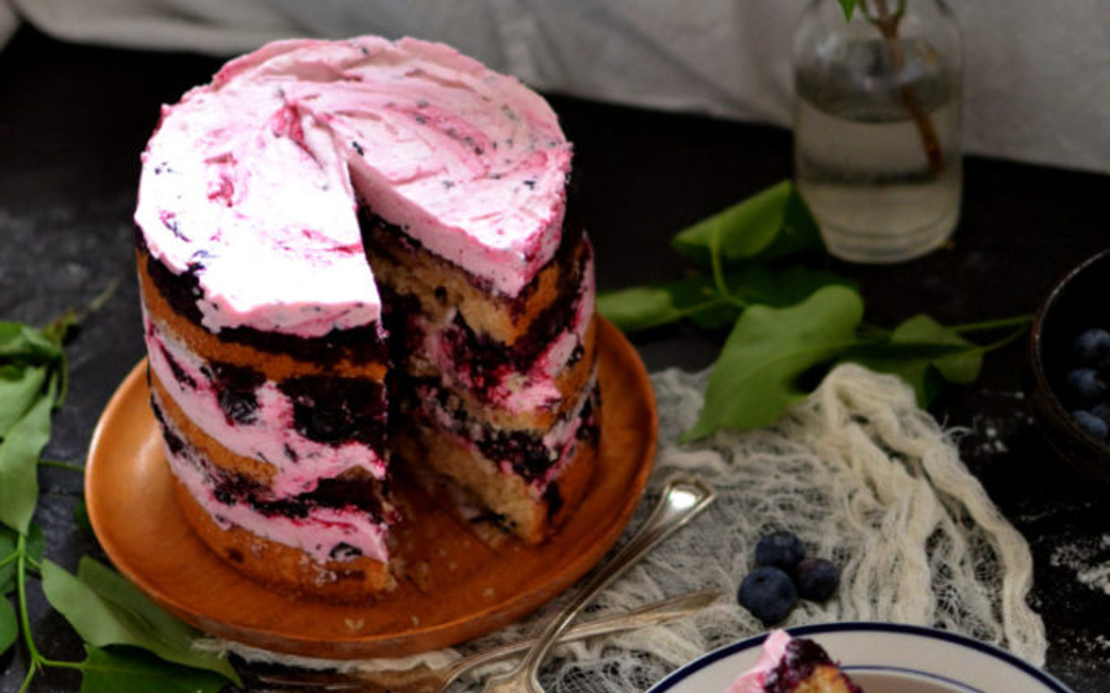 Champagne Cake With Roasted Blueberries 4