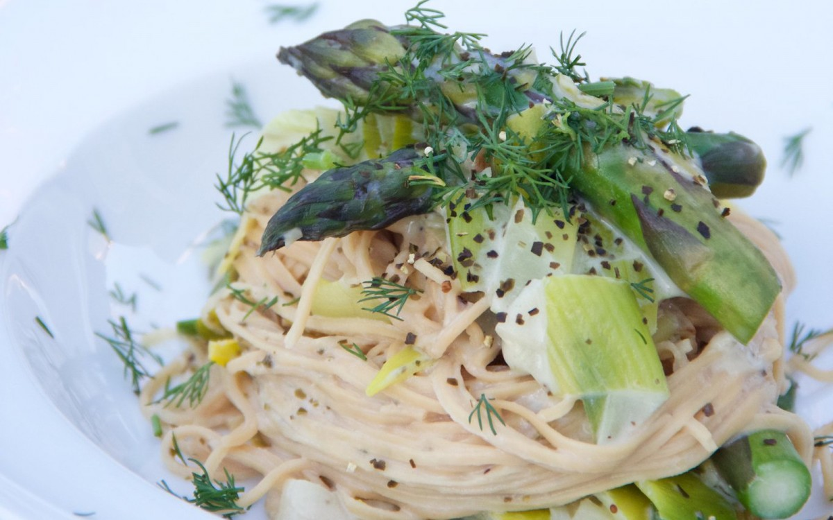 Creamy Leek and Asparagus Pasta