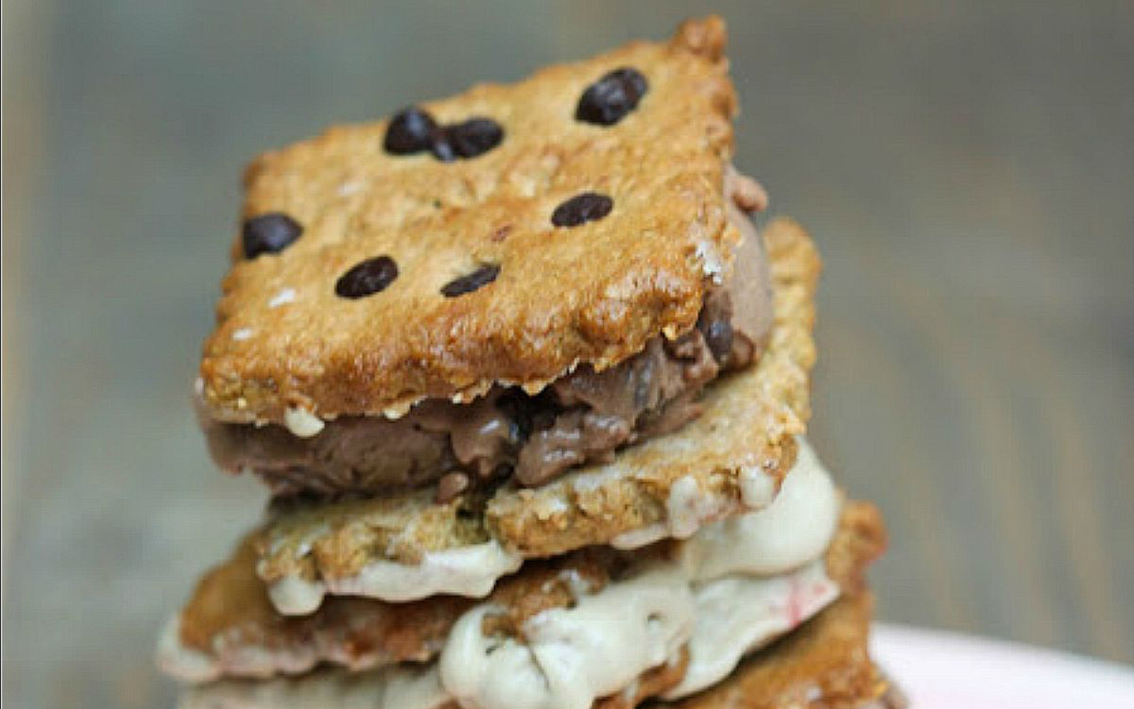 ice cream sandwiches with crunchy chocolate chip cookies