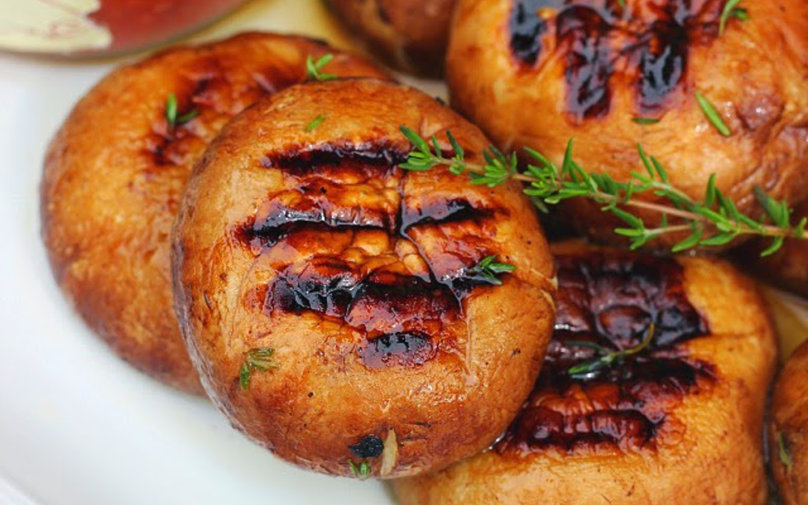 thyme grilled mushrooms