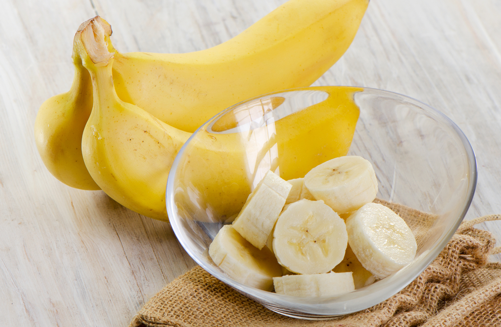 Sleep Tea, Conditioner, and Teeth Whitening: 7 Surprising Ways You Can Use Bananas