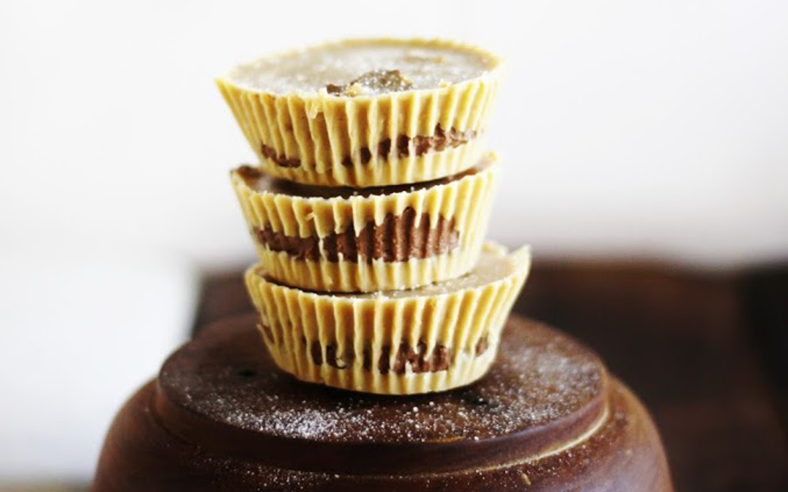 peanut butter and chocolate buttercream cups