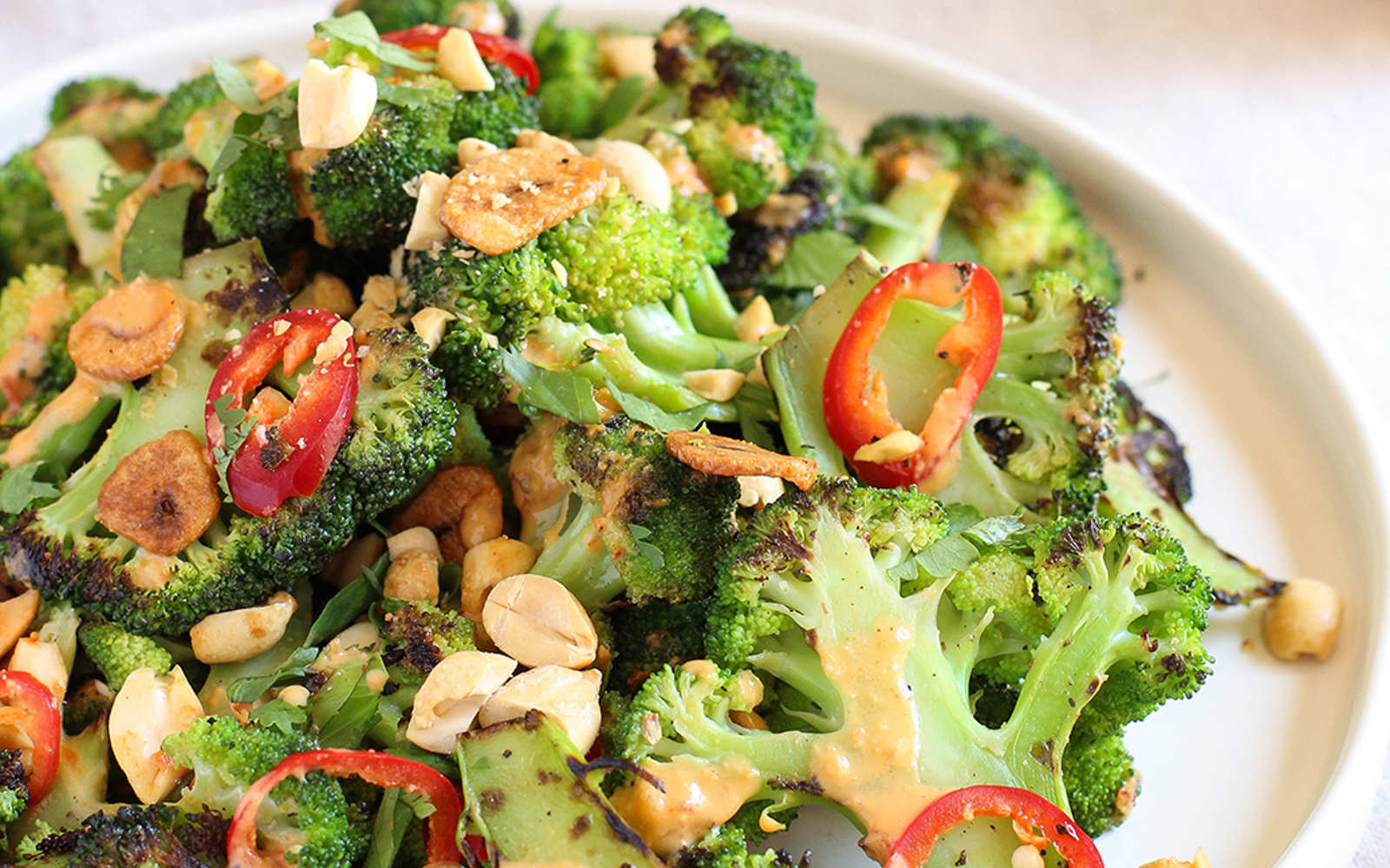 Spicy Broccoli Salad With Peanut Dressing 1