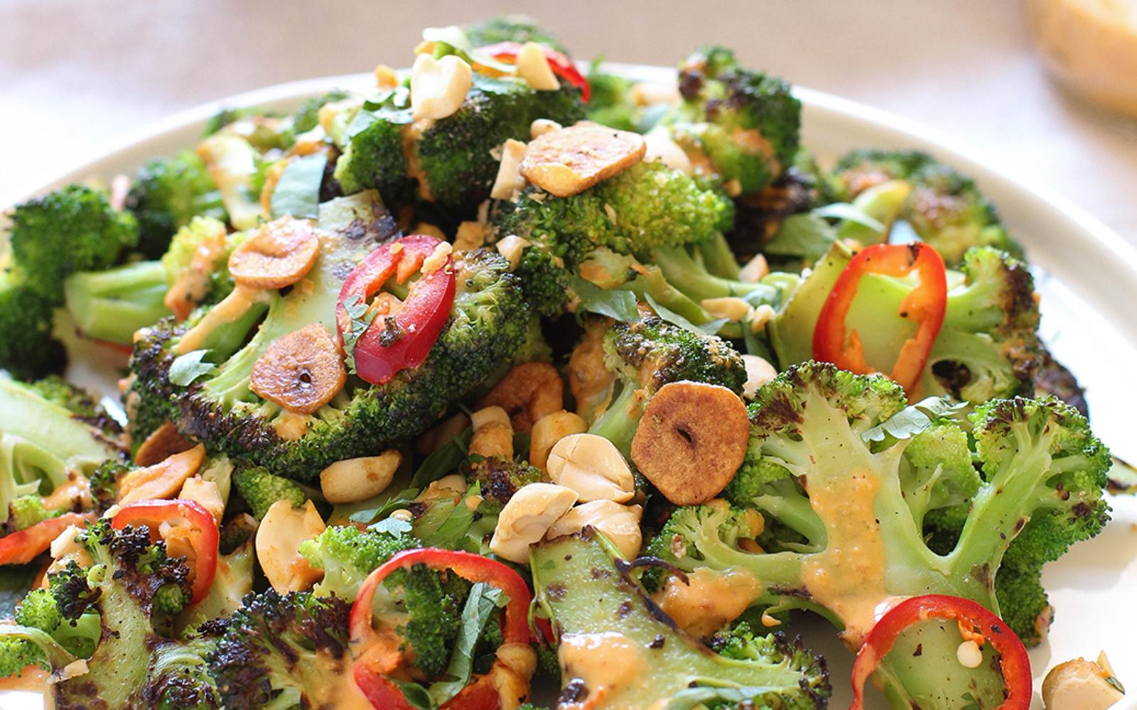 Spicy Broccoli Salad With Peanut Dressing 3