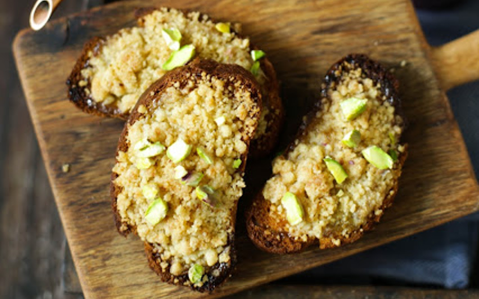 Toasts With Pistachio Cream and Streusel