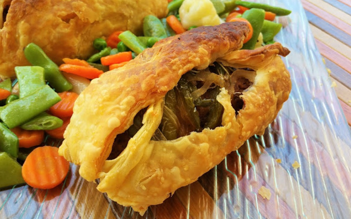 Vegan Puff Pastry Stuffed With Chorizo and Peppers