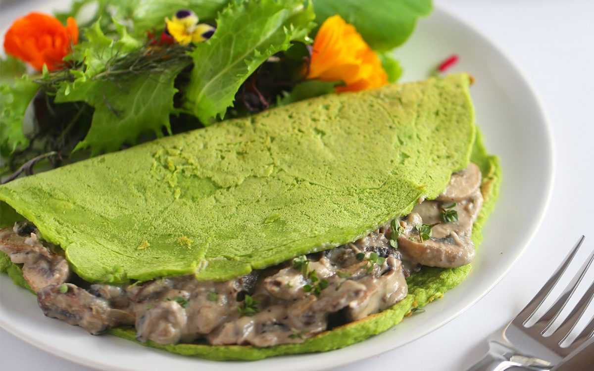 Spinach Crepes With Creamy Mushrooms b