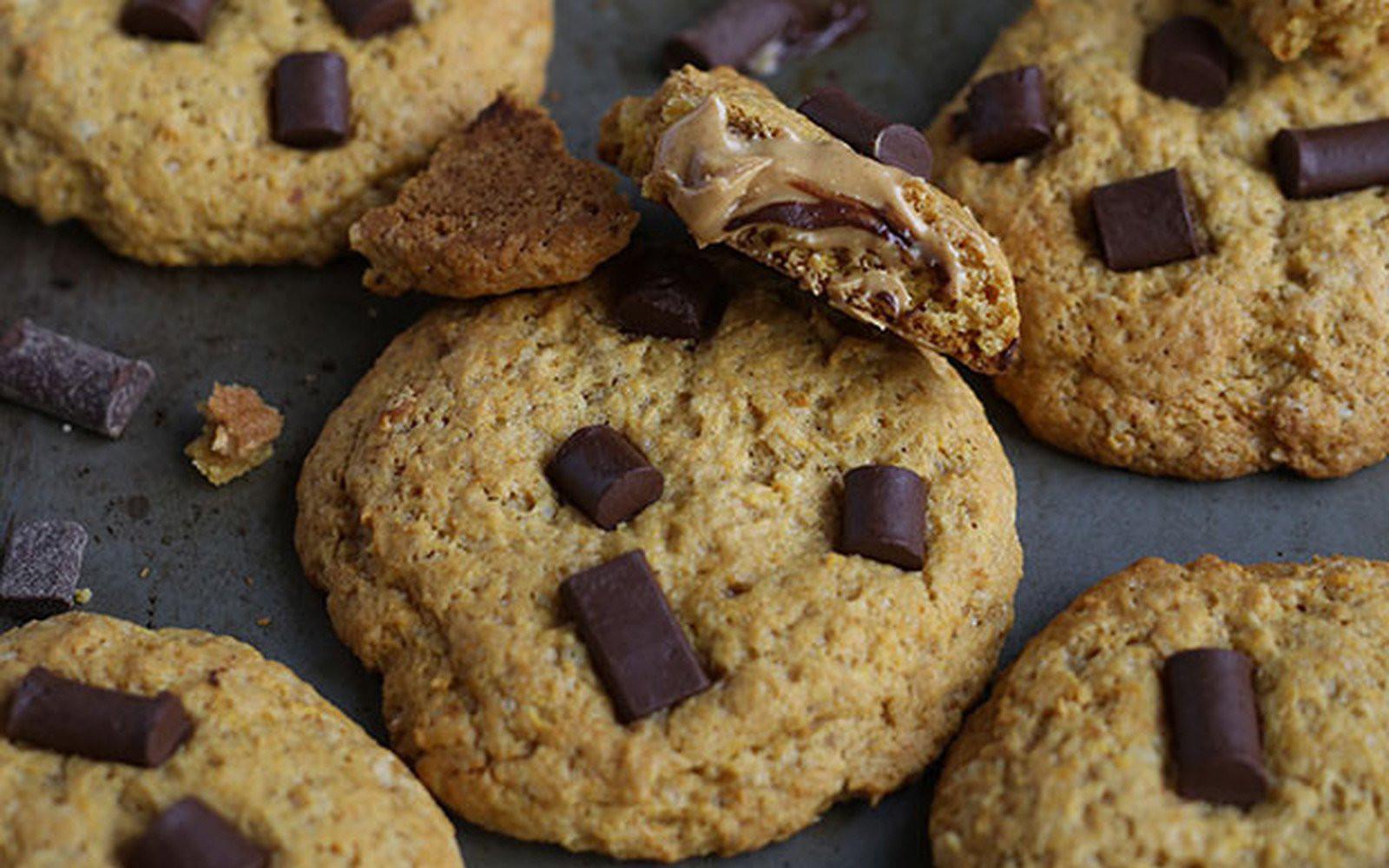 pb stuffed cookies