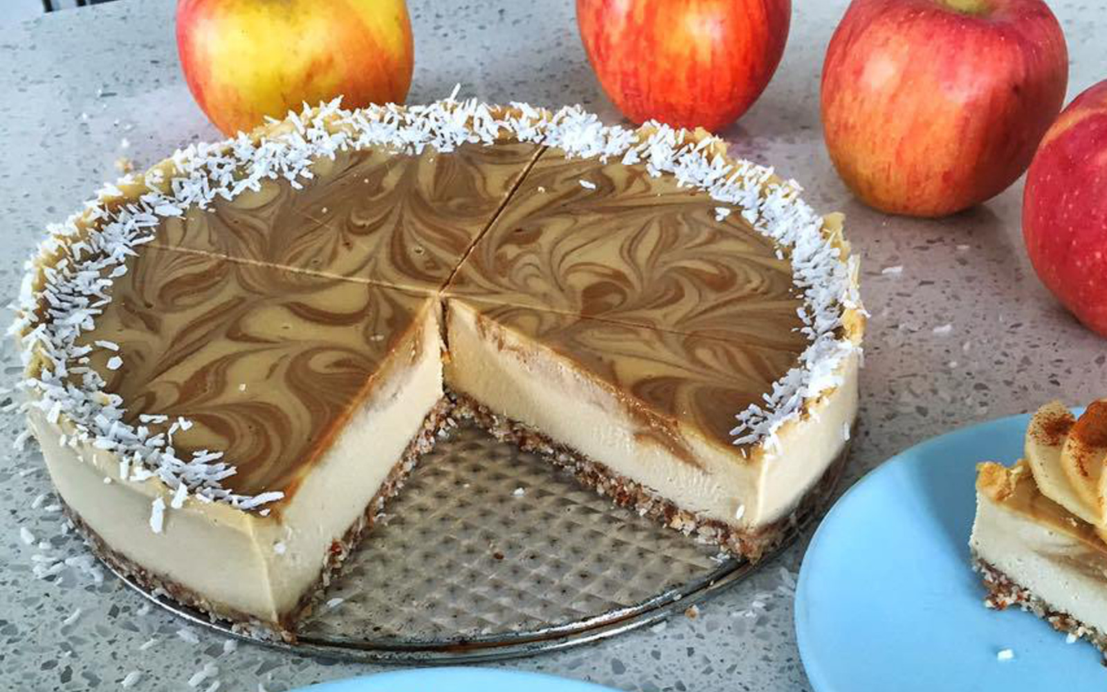 raw caramel apple cheesecake