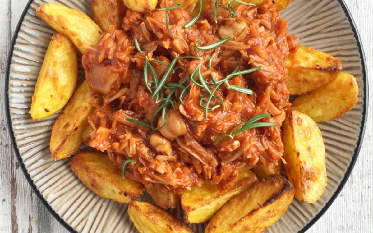 Barbecue Pulled Jackfruit With Roast Potatoes b