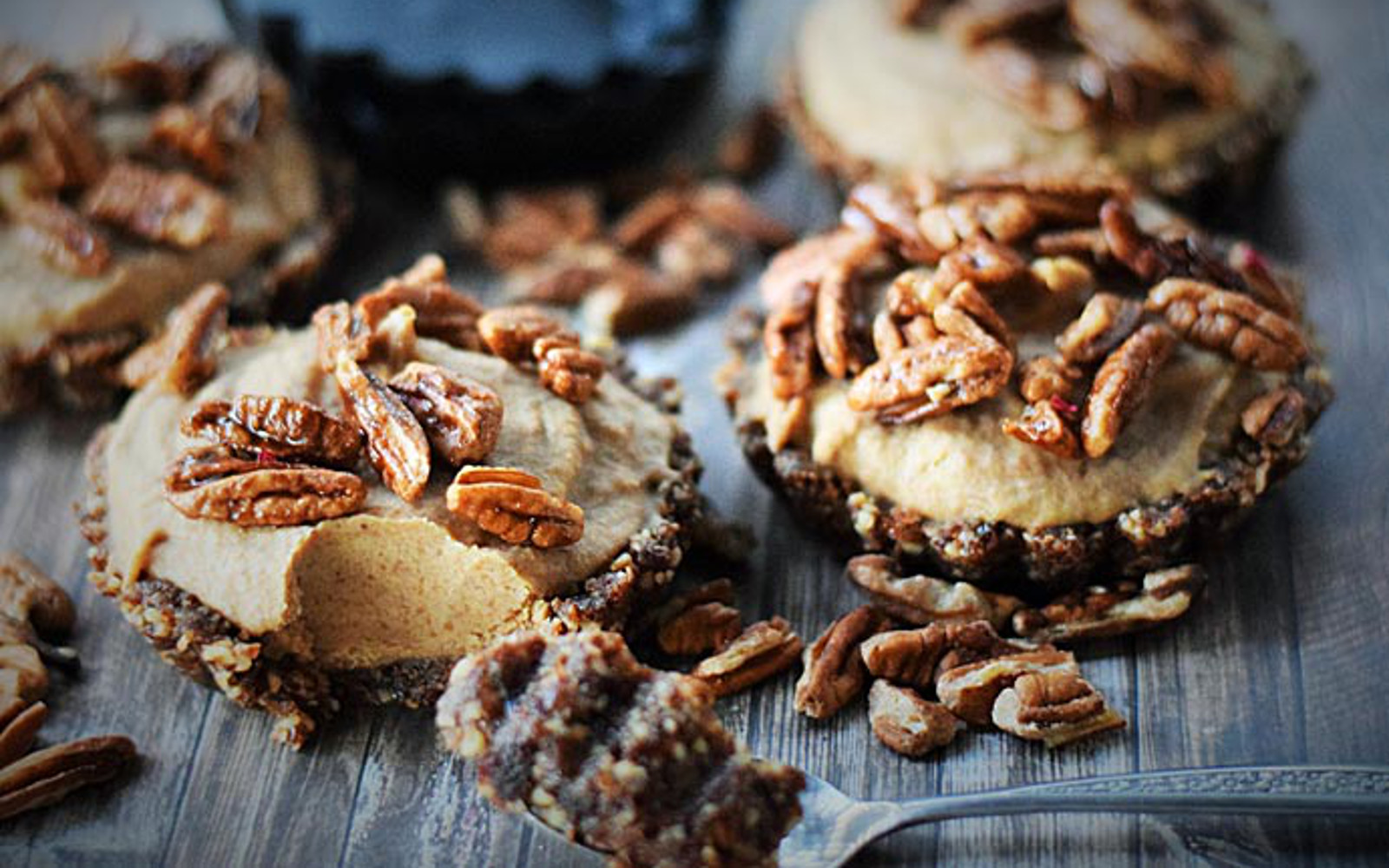 Raw Pecan Caramel Pie 1