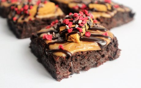 gingersnap vegan brownies topped with caramel